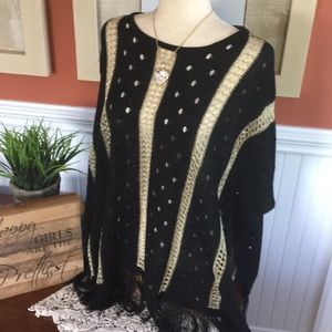 LLove Sweaters - 💕 HP💕Beautiful GOLD and Black  striped Poncho💕